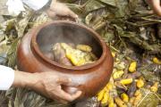 La Pachamanca, plat traditionnel du Pérou est préparé lors des festivités andines